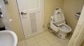 シャワートイレ(台湾製)と浴室の一部